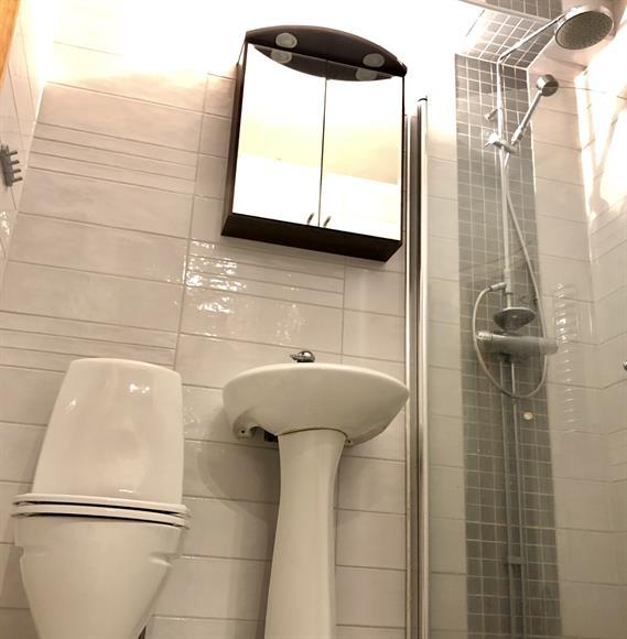 Helkaklad toalett & dusch.