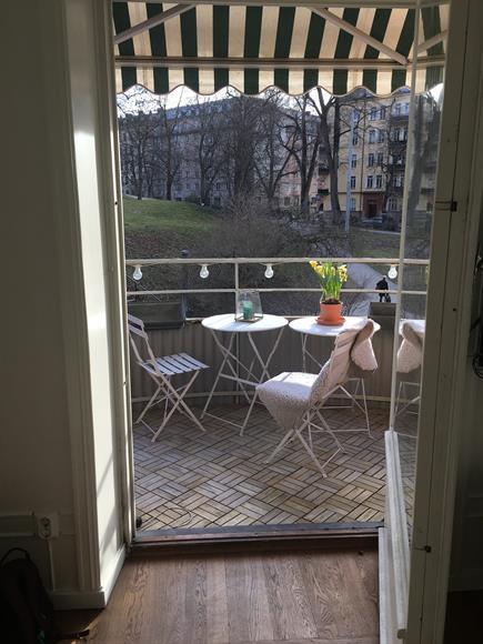Stor balkong mot kronobergsparken.