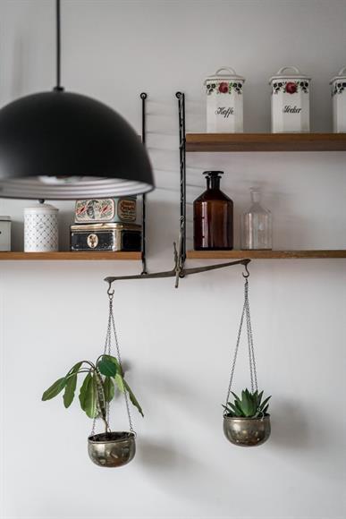 Ljus och öppet kök.