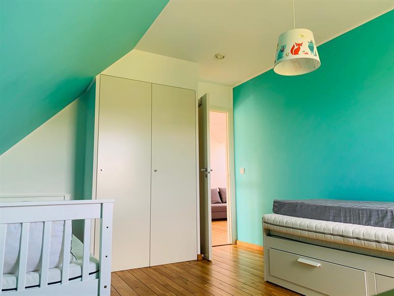 Här finner ni sängar som kan expanderas för övernattningar med lekkamrater.   Here you will find beds that can be expanded for overnight stays with friends and playmates.